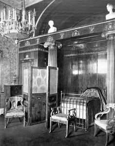 The bedroom of Maria Feodorovna at the Catherine Palace, 1911.