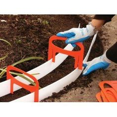 Pour your own concrete mold!! Great idea to use on our patio this summer!! #GardenEdging