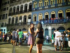 Balmy Rio nights are perfect for outdoor socialising. Image by Teresa Geer / Lonely Planet