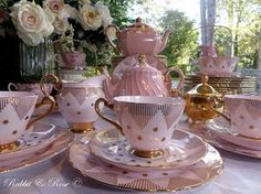 Put some sparkle in your day with stars and stripes pretty vintage pale pink fine bone china. Make your table shine! Love Rabbit & Rose x