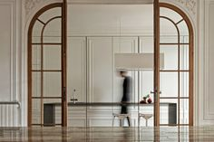 Dutch design studio Interior Architects came up with an invisible kitchen design in Paris. Best Interior Design, Interior Design Kitchen, Interior And Exterior, Modern Interior, Interior Doors, Baths Interior, Interior Plants, Classic Interior, Kitchen Designs