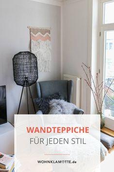 Mit Wandteppichen kann man jede Wand einfach dekorieren. Die kleinen Teppiche bringen ähnlich wie Makramees viel wärme in den Raum. Besonders im Wohnzimmer oder über dem Bett ist der Wandteppich ein schönes Element zur Wanddekoration. Boho Stil, Home Decor, Tapestry, Small Tapestry, Wall Blankets, Small Area Rugs, Cosy House, Persian Carpet, Wall Decorations