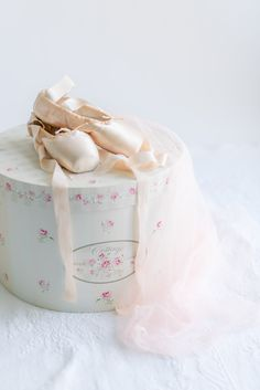 Ballet shoes and vintage hatbox Hat Boxes, Bucket Bag, Ballet Shoes, Photography, Bags, Vintage, Fashion, Ballet Flats, Handbags