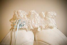 Así eran los zapatos de tu boda. ¿Quieres recordarlos? Nosotros los fotografiamos para que puedas mostrárselos a tu familia y amigos con todo lujo de detalles.