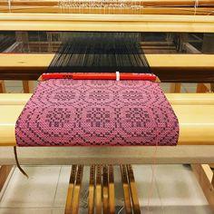 Loom Weaving, Hand Weaving, Tear, Patterns, Inspiration, Furniture, Instagram, Home Decor, Manualidades