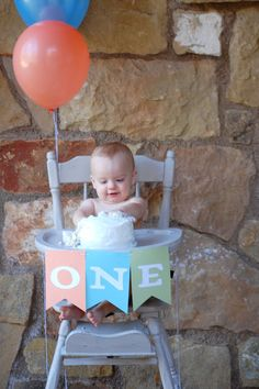 I love the banner on the highchair!!