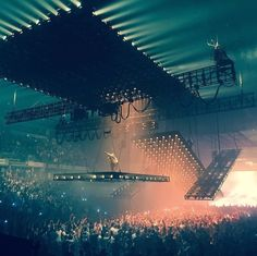 #KanyeWest #SaintPablo Stage design -