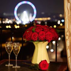 [Valentine's Day Offer] - ♥ ️ Enjoy our special offer of the moment to express your love for your sweetheart Homemade Valentines, Valentine Sday, The French Way, Air Balloon Rides, Balloons, Louvre Paris, In This Moment, Photo And Video, Baking