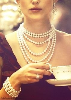 Yes, we Southern Belles even wear our pearls to afternoon tea!