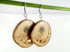 Boucles rondelles de bois percées de trous par LesBoisettes sur Etsy
