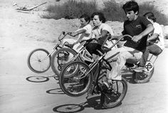 Nostalgia on Wheels: Joe Kid on a Stingray - The History of BMX! Vintage Bmx Bikes, Velo Vintage, Bad Boy Style, Revival Clothing, Bmx Racing, Types Of Jackets, The Right Man, Back In The Day, Motocross