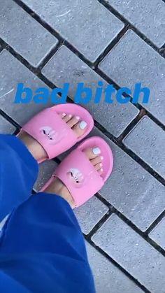 Les Nails, Pool Slides, Kylie Jenner, Kendall, Kardashian, Shoes, Fashion, Ongles, Moda