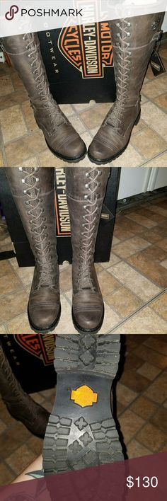 Harley davidson dark brown size 10 Wore once size 10 Harley Davidson boots. Dark brown paid 220 bucks for them at Christmas Harley-Davidson Shoes Lace Up Boots