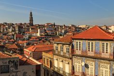 Porto Through The Lens - Words and Photography by Pete Heck 23.11.2015 | Porto, Portugal invigorated my creative side. My photography sessions gave me many reasons to love this city. Photo: Porto Skyline