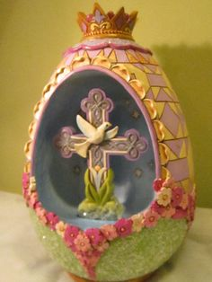 """Jim Shore Heartwood Creek """"Easter Peace Be With You"""" Victorian Egg Diorama 2015"""