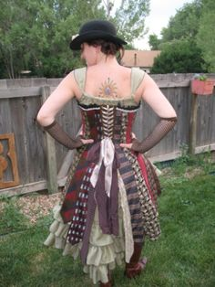 How To Make a Steampunk Corset Dress out of Neckties. Lots of other great steampunk stuff on this site too. Steampunk Corset Dress, Steampunk Costume, Steampunk Clothing, Steampunk Diy, Steampunk Fashion, Steampunk Images, Steampunk Wedding, Victorian Fashion, Dress Out