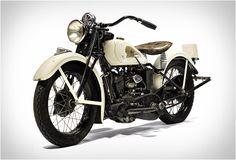 Bonhams, a casa de leilões britânica listou um veículo especial impressionante, o 1934 Indian Sport Scout de 750 cilindradas, anteriormente propriedade do incrível, Steve McQueen. O ator era um colecionador de motos, não deixando de lado u