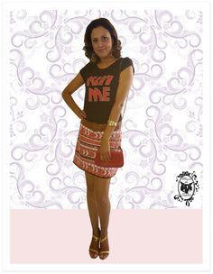 Por que não usar Paetê durante dia? É só combinar com uma T-Shirt Descolada que o Look se torna super casual! Um luxo!