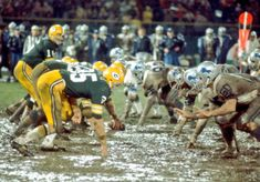 Football 101, Detroit Lions Football, Nfl Football Players, Detroit Sports, Packers Football, School Football, Green Bay Packers Fans, Nfl History, Football Conference