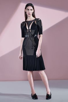 http://www.vogue.com/fashion-shows/pre-fall-2016/herve-leger-by-max-azria/slideshow/collection