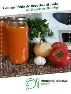 Polpa de Tomate com Cebola e Alho de Anita Cruz. Receita Bimby<sup>®</sup> na categoria Prato principal outros do www.mundodereceitasbimby.com.pt, A Comunidade de Receitas Bimby<sup>®</sup>. Mamma Mia, Good Food, Vegetables, Sauce Recipes, Other Recipes, Garlic, Snacks, How To Make Tomato Sauce, 4 Ingredients