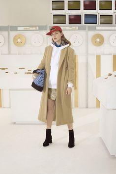 Maison Kitsune Fall Winter 2018 Lookbook Fashion Collection Prints Patterns  Material Minimalist Fashion b61b5e045b71