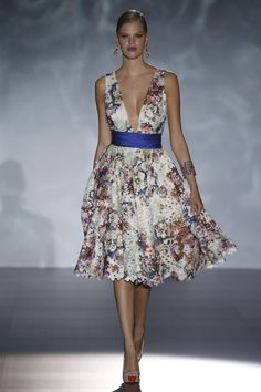 - Foto 1 - Patricia Avendaño 2016 - TELVA.com Dress Outfits, Fashion Dresses, Dress Up, Girl Fashion, Fashion Show, Kids Frocks, Short Dresses, Formal Dresses, Looks Style