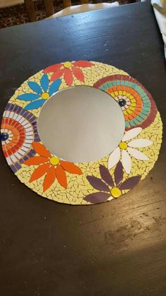 Mosaic Tile Table, Mosaic Tile Art, Mirror Mosaic, Mosaic Glass, Tile Crafts, Mosaic Crafts, Mosaic Art Projects, Mosaic Madness, Art Of Glass