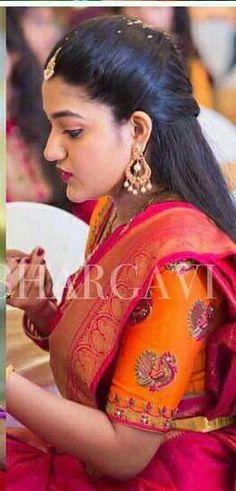 Saree Hairstyles, Indian Bridal Hairstyles, New Blouse Designs, Saree Blouse Designs, Mirror Work Lehenga, Mirror Work Blouse Design, Designer Blouse Patterns, Elegant Saree, Traditional Fashion