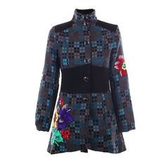 Cappotti prodotti in Spagna con materiali di prima qualità da Aziende con esperienza trentennale. Dei capi colorati e decisamente confortevoli ora in saldo