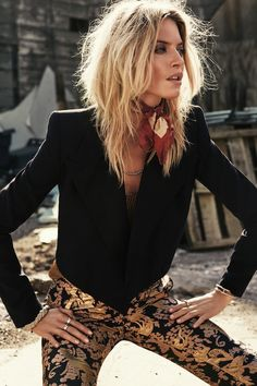 Martha Hunt Looks Sexy in Rugged Style for S Moda Cover Story Martha Hunt, Fashion Shoot, Love Fashion, Editorial Fashion, Womens Fashion, Mode Editorials, Fashion Editorials, Rugged Style, Southwest Style