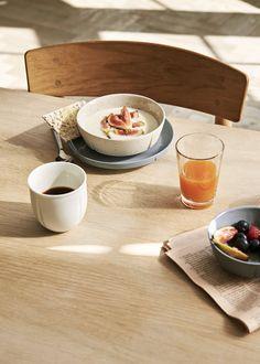 Rosendahl har forvandlet det klassiske Grand Cru-stel til sten Elegant Table Settings, Danish Design, Hygge, Branding Design, Special Occasion, Mad, Tableware, Ethnic Recipes, England
