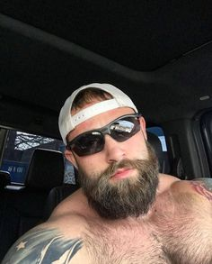 Muscle and Beard Inspiration Hot Beards, Great Beards, Awesome Beards, Husband Best Friend, Rugged Men, Beard Love, Man Beard, Big Guys, Sexy Guys