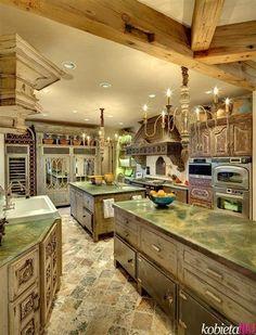 esta es la clase de cocina que necesito yo   :D.