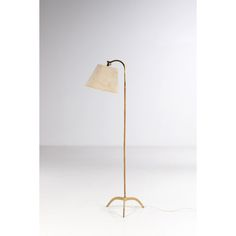 Paavo Tynell (1890-1973) Model n°9609 Selling Paintings, Brass Floor Lamp, Standard Lamps, Contemporary Art, Art Gallery, Creations, Auction, Things To Sell, Modern