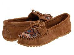 Minnetonka El Paso II (Taupe) Women's Moccasin Shoes