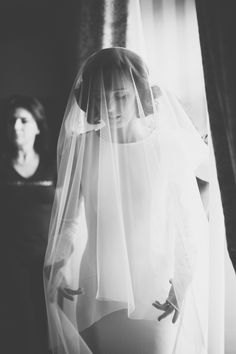This is gorgeous. Keep it simple with a drop illusion veil, oh so gorgeous. What I love about these simple gowns is that your veil can be just about any style