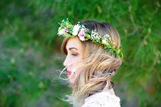 Flower Crown Tutorial -- how to make easy flower crowns @PagingSupermom