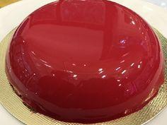 A Glaçagem Espelhadada Ana Mariaé maravilhosa e vai deixar os seus bolos com um acabamento profissional. Faça e surpreenda! Veja Também:Cobertura de Vid
