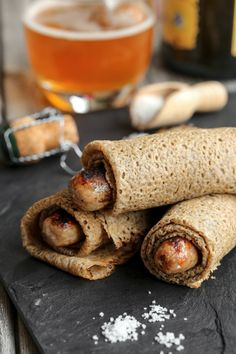 Galettes saucisses à la bretonne - Grilled sausage wrapped in a cold crepe Crespelle Recipe, Galette Complete, Buckwheat Crepes, French Crepes, Crepe Recipes, My Best Recipe, Pancakes And Waffles, Sausage Recipes, Winter Food