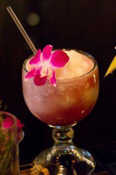 Leilani Recipe from Ohana at Polynesian Resort in Disney World: guava, pineapple juice, lime, rum Refreshing Drinks, Fun Drinks, Yummy Drinks, Beverages, Party Drinks, Mixed Drinks, Polynesian Food, Polynesian Resort, Cocktails