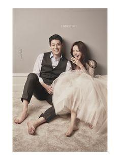 Pre Wedding Poses, Pre Wedding Photoshoot, Wedding Pics, Korean Wedding Photography, Couple Photography Poses, Photography Pics, How To Pose, Wedding Story, Marie