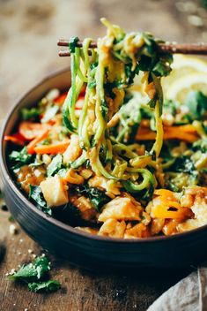 """15 Minute whole30 Thai chicken noodles with """"peanut"""" sauce, kale, and bell peppers. An easy family friendly meal, serve hot or cold! 