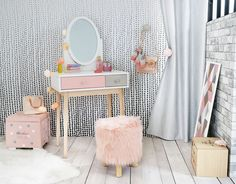 Blush pink, grey and white children's dressing table | Maisons du Monde
