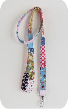 Find 8 great free patterns and tutorials for pet projects - that is, things to…