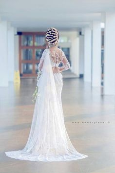 Hair care asian acupressure points 64 Ideas for 2019 Bridal Sari, Indian Bridal Sarees, Wedding Sari, Wedding Bride, Wedding Ideas, Bride Reception Dresses, Bridal Dresses, Bridesmaid Saree, Indian Bridal Hairstyles