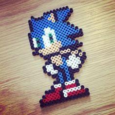 Sonic the hedgehog perler beads, hama beads, bead sprites by masterbeef088