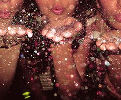 throw sum glitter make it rainn