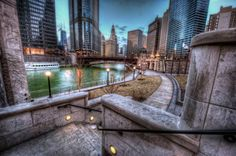 Sometimes slow… 16 Photos Of Chicago That Will Make You Want To Move There. Here's all the awesome you've been missing out on in the Windy City. Chicago Usa, Chicago City, Illinois, Lago Michigan, Chicago Riverwalk, Water Architecture, Chicago Pictures, House Viewing, River Walk