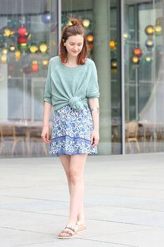 Kleid und rosegoldene Birkenstocks 3
